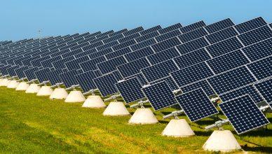 Uso de fontes de energias renováveis na Índa: Usinas Solares