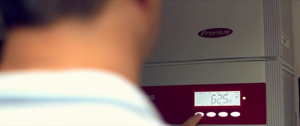 Pronto! O sistema fotovoltaico foi instalado e o cliente começa a gerar sua própria energia