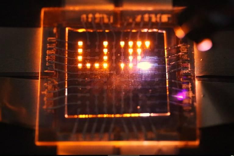 Nova tecnologia de LED é a chave para criação do celular solar
