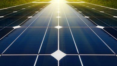 Crescimento da energia solar mundial salta 50% graças à China e EUA