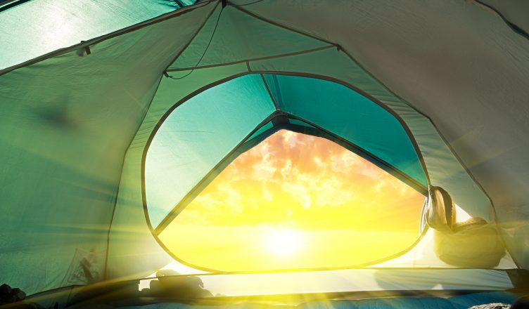 Estudantes Criam Tenda Com Geração Solar Para Sem-Tetos