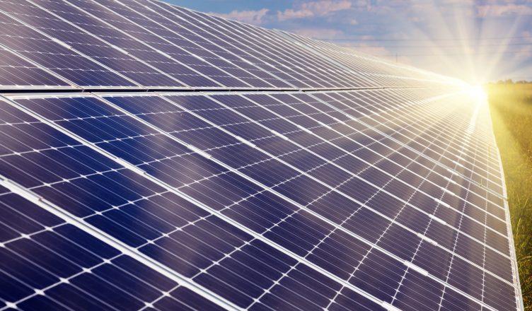 painel solar criação e história