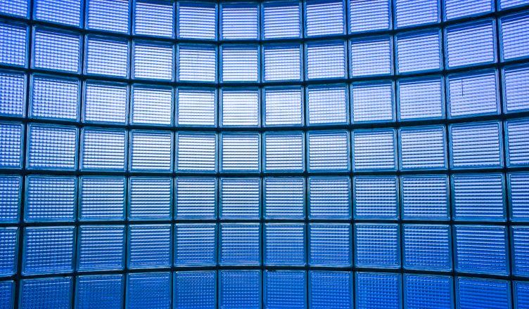 bloco-de-vidro-solar-e-a-mais-nova-invencao-para-casas-do-futuro