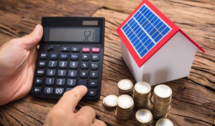 calculadora-solar-_-como-simular-o-uso-e-economia-da-energia-solar-_-capa-blog