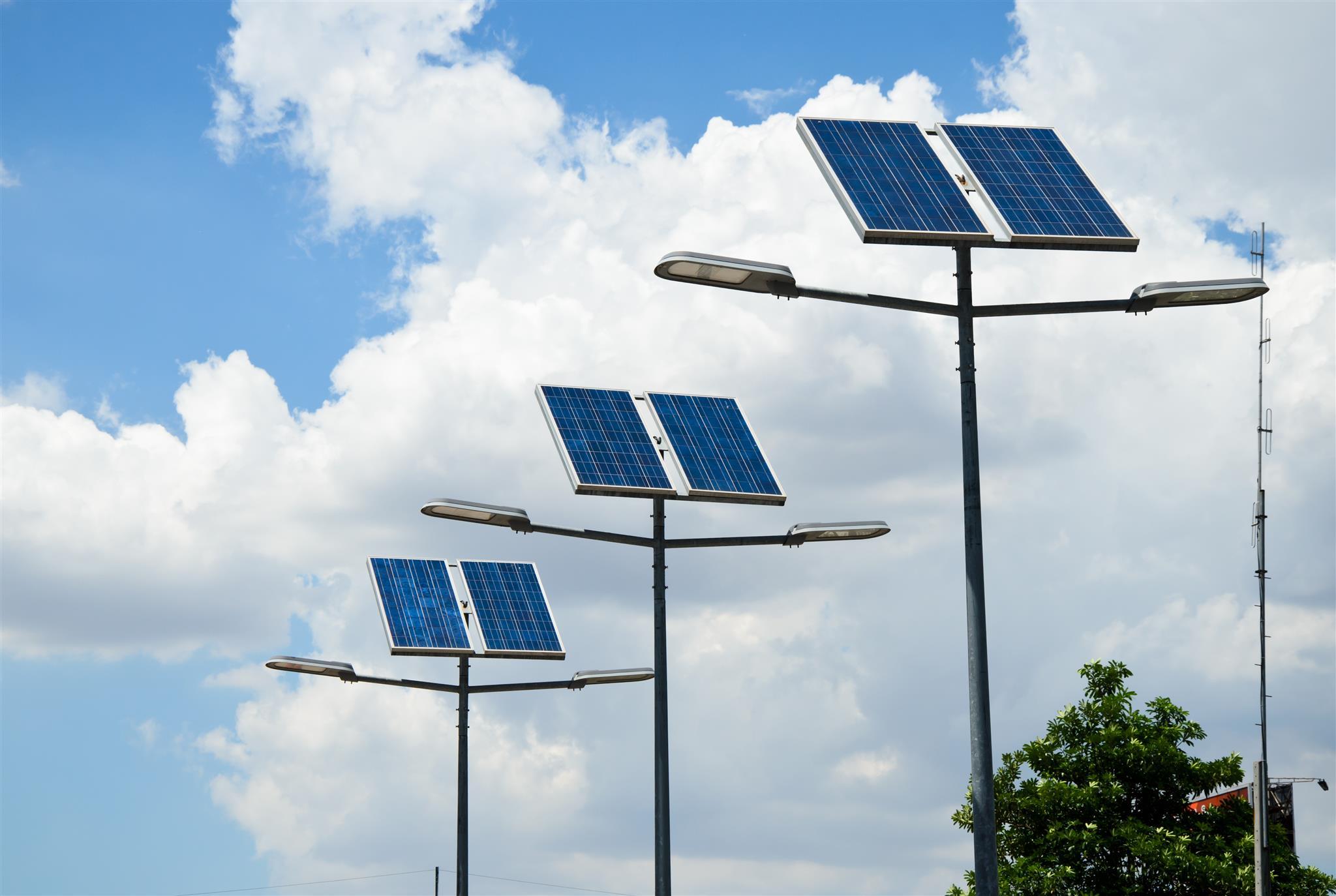 kit de energia solar _ postes solares