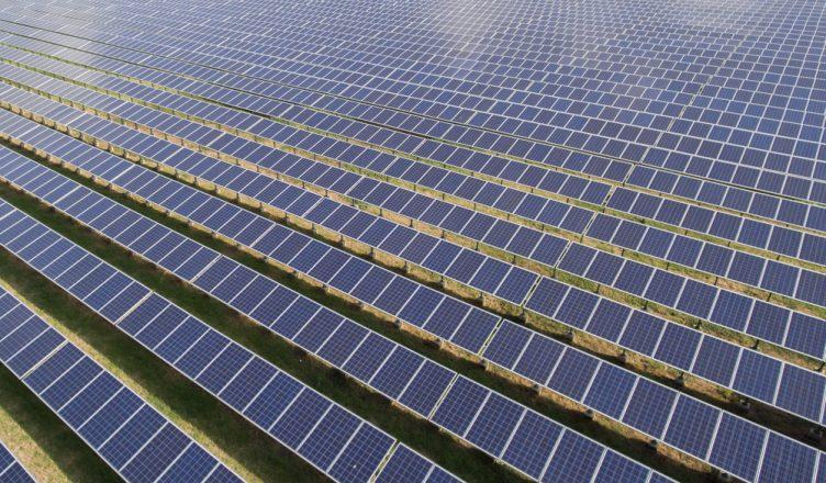 energia-solar-ira-liderar-renovaveis-pelos-proximos-5-anos