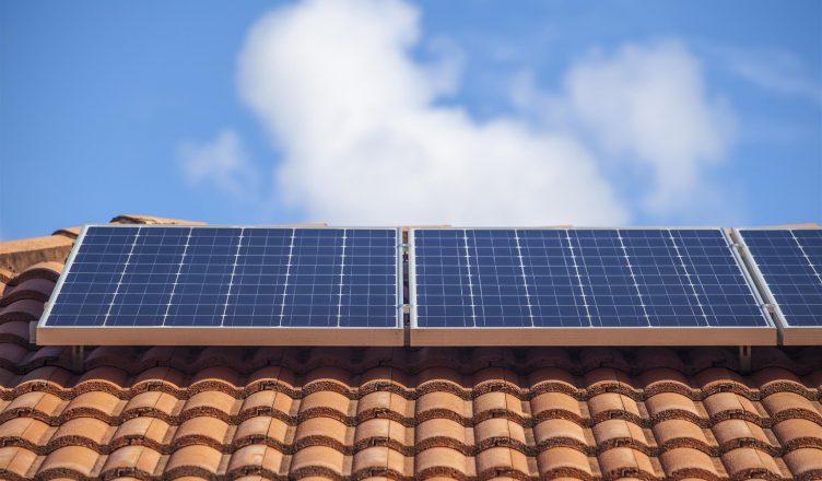 mini-e-microgeracao-de-energia-entenda-de-uma-vez-a-forma-como-a-energia-solar-pode-gerar-economia-e-porque-voce-esta-perdendo-tempo-se-nao-comecar-agora