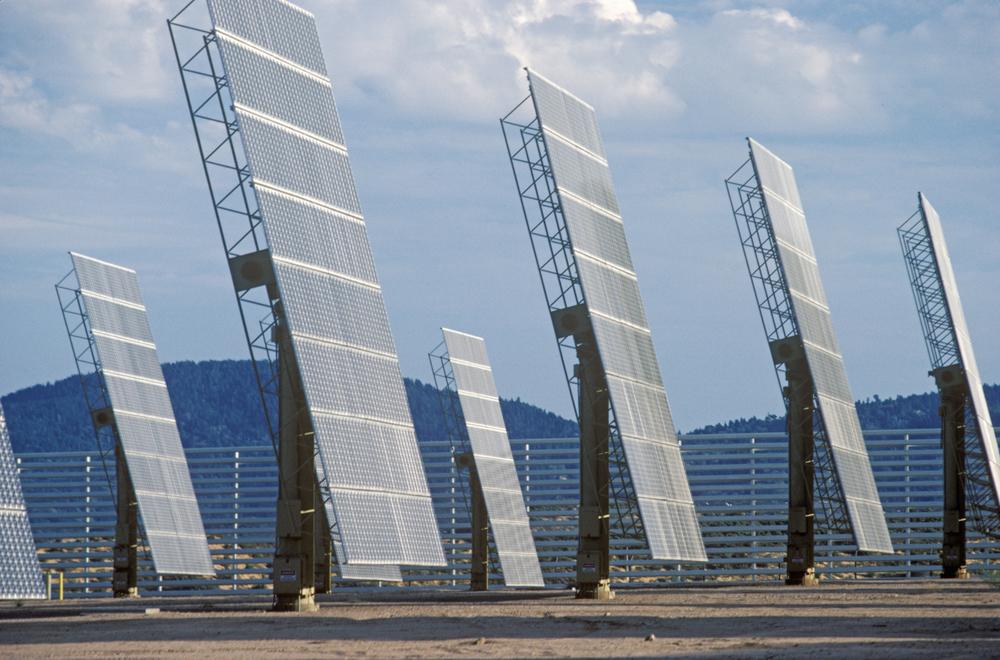 suporte para placa solar _ estrutura em forma de mastro