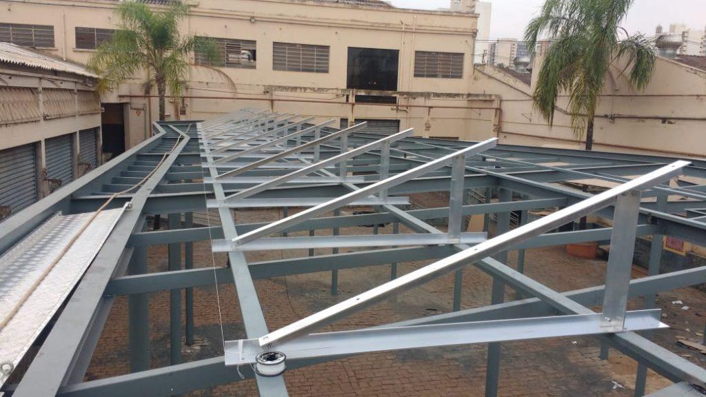 suporte para placa solar _ estrutura triangular instalada em solo
