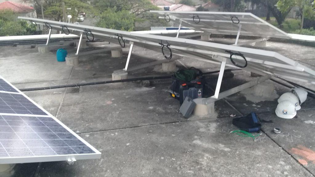 suporte para placa solar _ estrutura triangular em laje