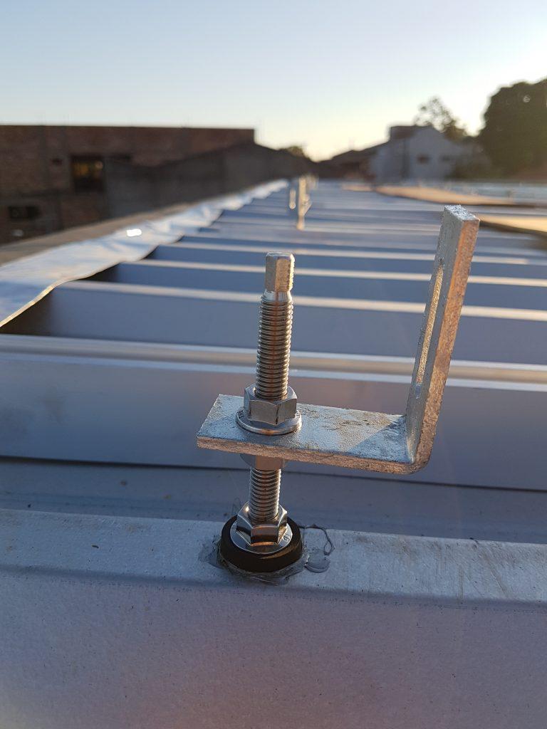 suporte para placa solar - parafuso estrutural sobre telha metálica sanduíche