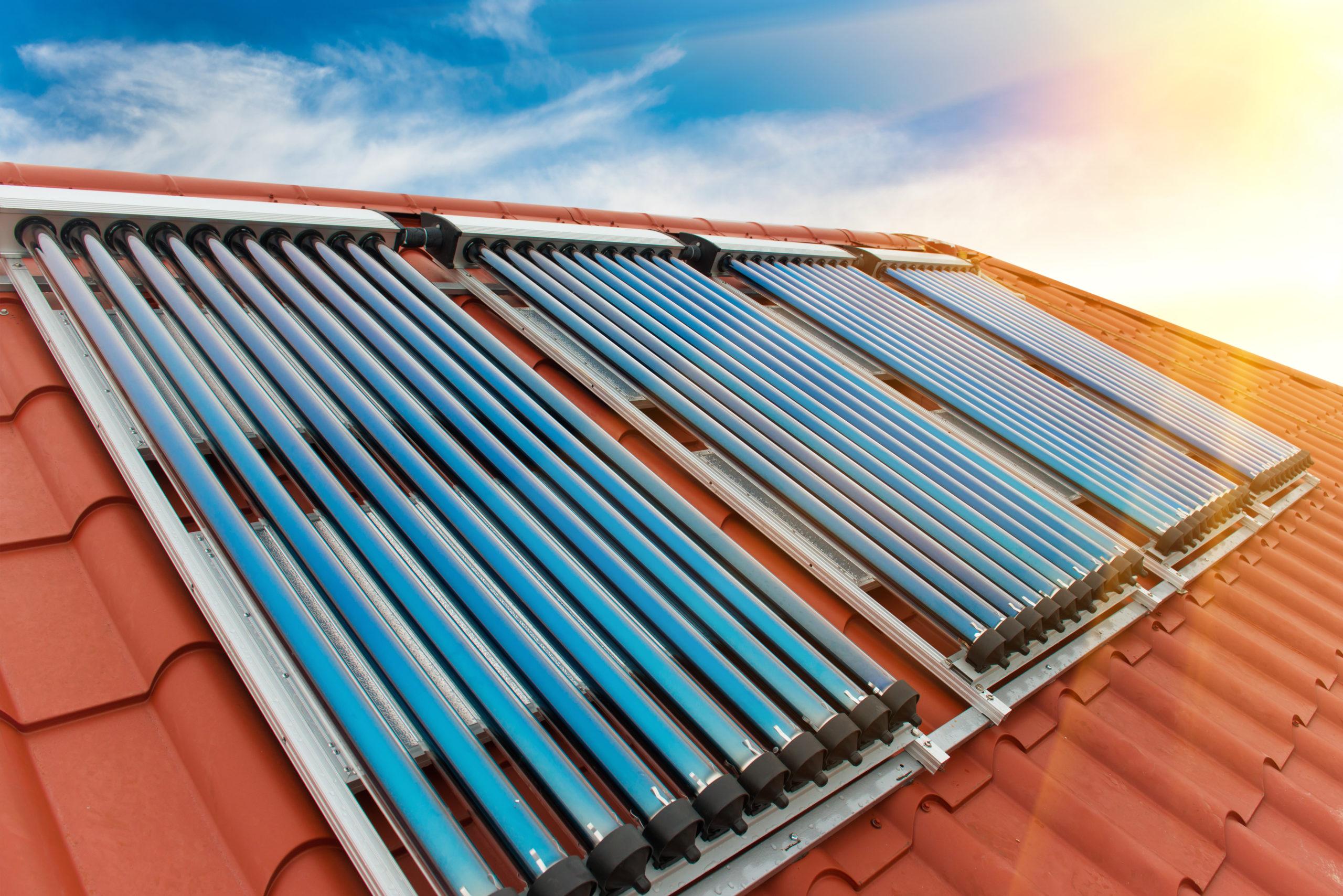 como economizar energia em casa _ coletores de aquecimento solar
