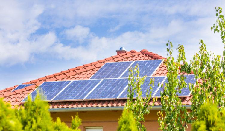 Painel Solar Residencial: Custo e Informações Para Seu Projeto
