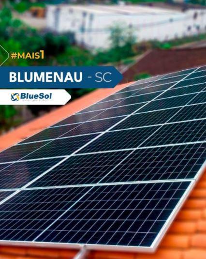 energia solar santa catarina _ placas de energia solar em telhado residencial