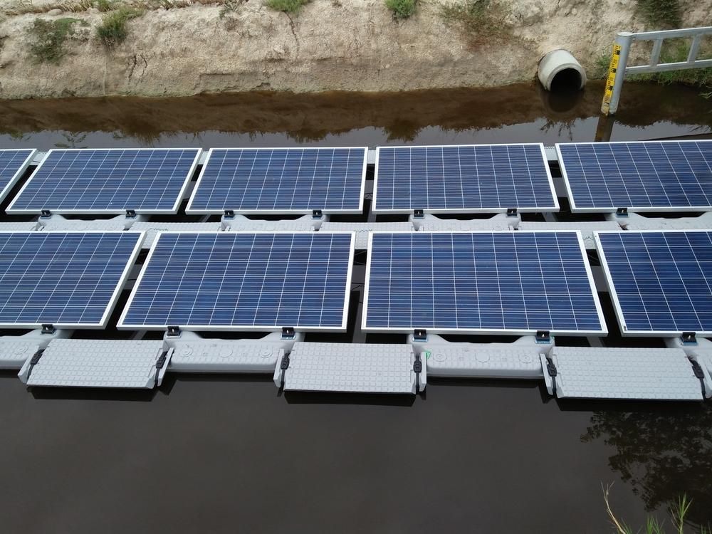 usina solar flutuante _ projeto com uso de flutuador puro