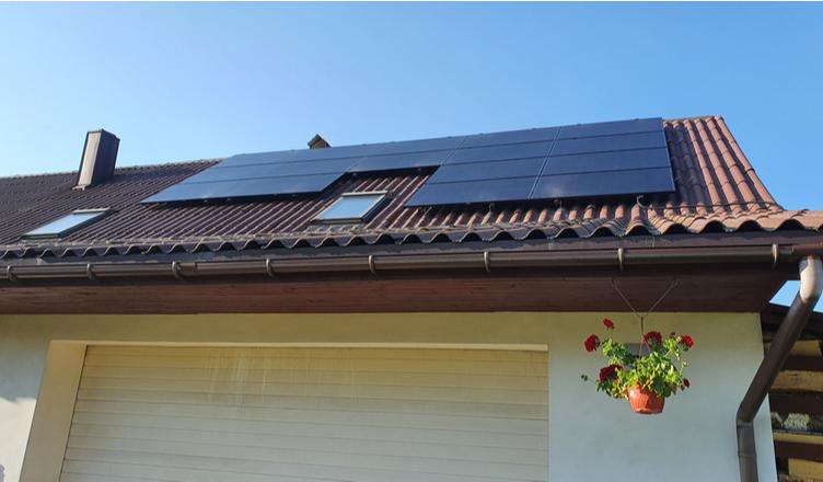 Energia Solar em Ponta Grossa: Guia Pra Quem Vai Instalar _ capa blog